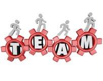 Lavoro di squadra di Team Gears Workers Marching Together illustrazione di stock