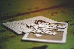 Lavoro di squadra ed armonia bianchi del puzzle Fotografia Stock