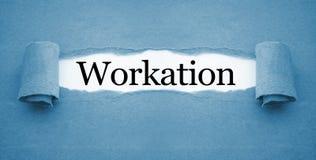Lavoro di ufficio con il workation fotografie stock