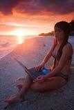 Lavoro dovunque nel paradiso Fotografia Stock Libera da Diritti