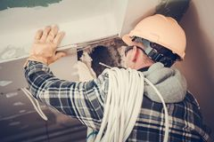 Lavoro elettrico nell'appartamento fotografia stock libera da diritti