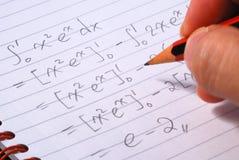 Lavoro su una domanda di matematica Immagine Stock