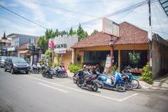 Lawaaierige straten van Ubud Stock Afbeeldingen