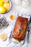 Lawenda, cytryna tort z świeżymi cytrynami i lawenda, kwitniemy Zdjęcia Stock