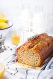 Lawenda, cytryna tort z świeżymi cytrynami i lawenda, kwitniemy Zdjęcie Royalty Free