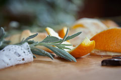 Lawendy gałąź i pomarańcze kawałki Obrazy Royalty Free