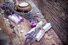 Lawendy mydło, perfumowa sól i zdrojów kamienie, Obrazy Royalty Free