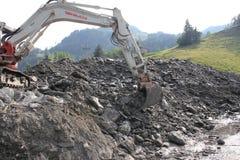 Lawiny błotne okaleczają zbocza Austria po ulewny deszcz zdjęcie stock