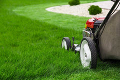 Free Lawn Mower Royalty Free Stock Photography - 54552957