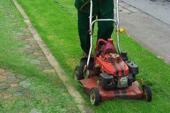 lawngräsklippningsmaskin Royaltyfri Foto