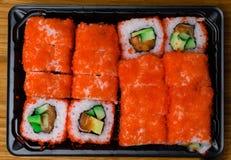 lax- och kaviarsushibakgrund material rått hav för läcker ny japan för fiskmat japansk citron Sushimeny Arkivbild