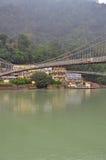 Laxman Julla, Rishikesh, Inde La rivière le Gange Images libres de droits