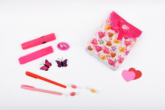 Lay-out-Objekte auf dem Thema - Valentinsgruß ` s Tag Lizenzfreie Stockfotografie