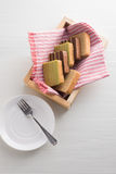 Layer cake i. N a nice picnic box Stock Photos