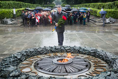 Laying flowers ceremony to the tomb of the unknown soldier Royalty Free Stock Images