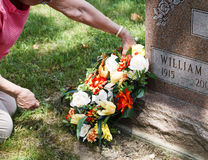 Free Laying The Wreath Royalty Free Stock Images - 14576109