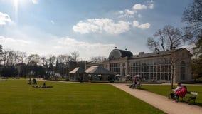 Lazienki konung Palace Gardens Royaltyfri Fotografi