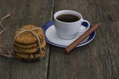 Lazo de las galletas de harina de avena del café de un círculo Imágenes de archivo libres de regalías