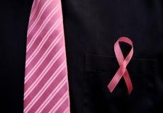 Lazo de los hombres rosados para el conocimiento del cáncer de pecho Fotografía de archivo
