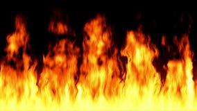 Lazo del fuego de alta calidad - llamas loopable turbulentas aisladas en fondo negro almacen de metraje de vídeo