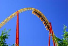 Lazo del roller coaster fotografía de archivo libre de regalías