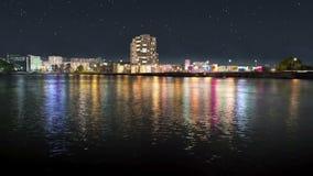 Lazo inconsútil del muelle de la ciudad de la noche almacen de metraje de vídeo