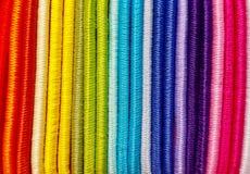 Lazos coloreados del pelo cerca junto foto de archivo
