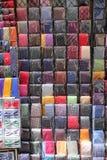 Lazos coloridos en una parada del mercado Imágenes de archivo libres de regalías