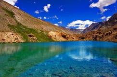 Lazurowy postawa jezioro obraz royalty free
