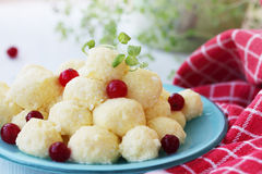 Free Lazy Dumplings With Cranberry Stock Photos - 39751273
