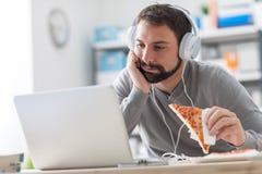Lazy Man que tiene una comida lista Imagen de archivo
