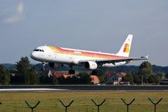 Lberia flygplanlandning royaltyfria foton