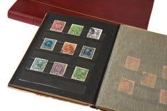 Álbum com selos de porte postal Imagens de Stock Royalty Free