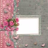 Álbum de foto viejo del vintage con las peonías rosadas hermosas Imagen de archivo libre de regalías