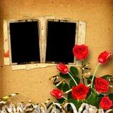 álbum del vintage para las fotos con un ramo de rosas rojas Imágenes de archivo libres de regalías