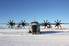 LC130 ski plane on the snow runway at McMurdo Stock Photography