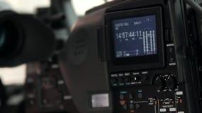 LCD het vertoningsscherm op een Hoge camera van Definitietv stock footage
