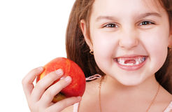 Lächeln recht kleines Mädchen ohne Zähne Lizenzfreies Stockfoto