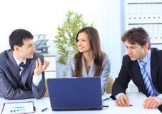 Líder com sua equipe bem sucedida Imagem de Stock