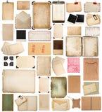 Åldrigt papper täcker, böcker, sidor och gamla vykort som isoleras på wh Royaltyfri Bild