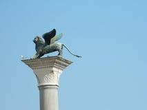 Leão de San Marco na coluna Imagens de Stock Royalty Free