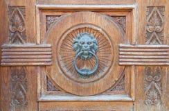 Leão Doorknocker principal. Imagens de Stock