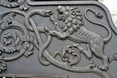 Leão e serpente Rei Cannon no Kremlin de Moscou Fotografia de Stock Royalty Free