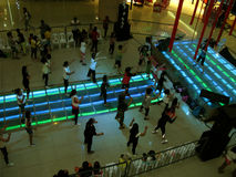 Leçons gratuites d'exercice d'aérobic chez Fisher Mall, Quezon City, Philippines Image libre de droits