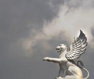 León con las alas Foto de archivo