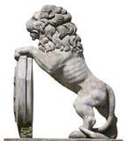 León de piedra. Corrección del recortes. Fotos de archivo