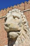 León de Pireo en el arsenal veneciano imagenes de archivo
