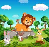 León en el bosque stock de ilustración