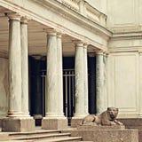 León en Peterhof Santo Peterburg Rusia Fotos de archivo libres de regalías