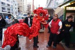 León rojo en el festival Foto de archivo